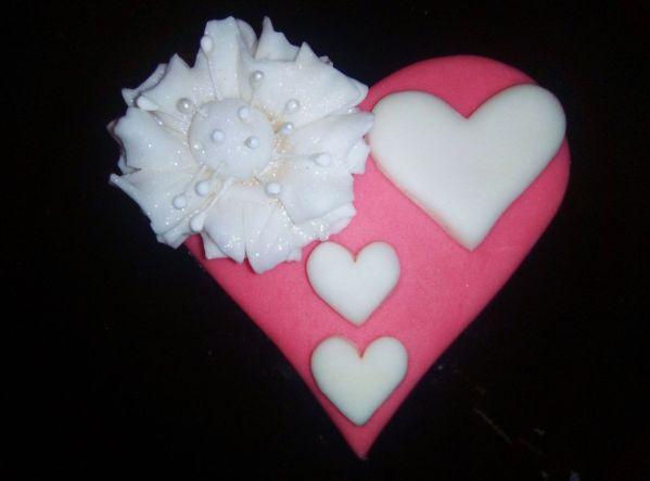 Valentínske srdce z fondánu  