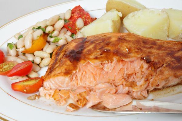 Medovo-horčicový losos s fazuľkou |