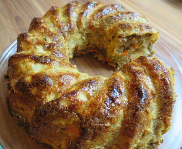 Slaný zeleninový nákyp z ražného chleba |