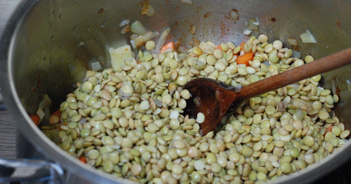 Šošovicová polievka s restovaným párkom, fotogaléria 7 ...