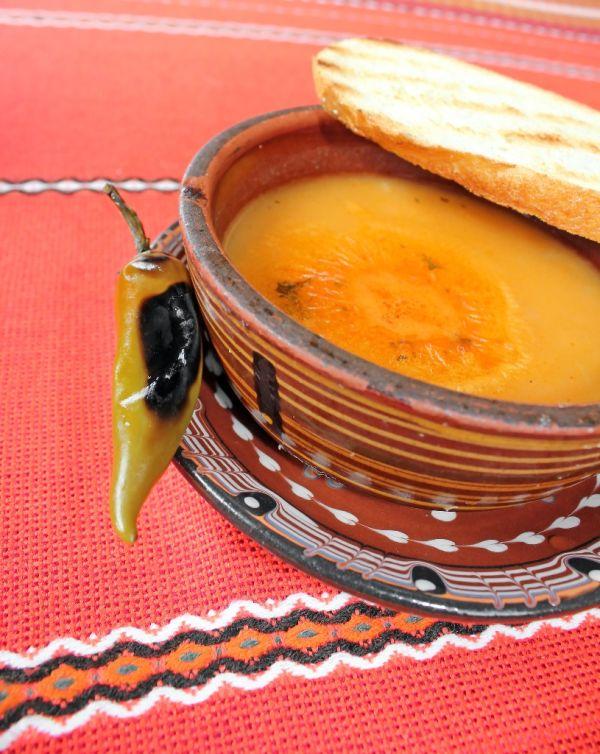 Fazuľová polievka s paprikou |