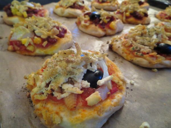 Mini špaldové pizzovníky s tofu syrom |
