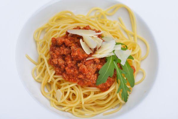 Špagety s mäsom a syrom |