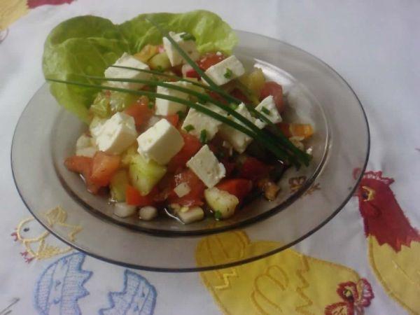 Zeleninový šalát s balkánskym syrom |