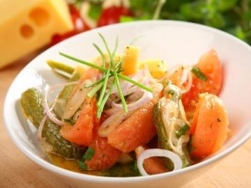 Salát s cheddarem  Recepty na každý den