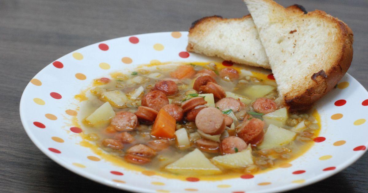 Šošovicová polievka s restovaným párkom, fotogaléria 1 ...