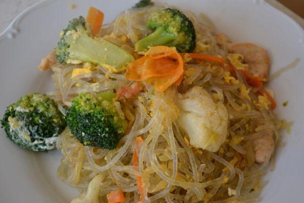 Jednoduché ryžové rezance so zeleninou |