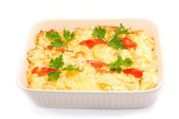 Zapekaný karfiol s vajciami a syrom |