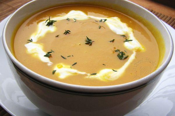 Mrkvová polievka so zázvorom |