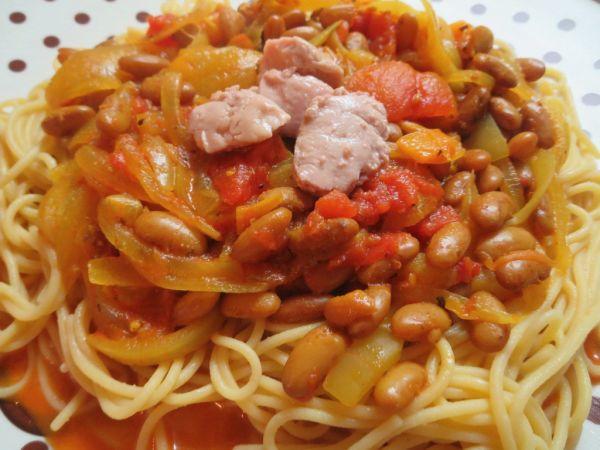 Špagety s fazuľovým lečom a treščiou pečeňou ...
