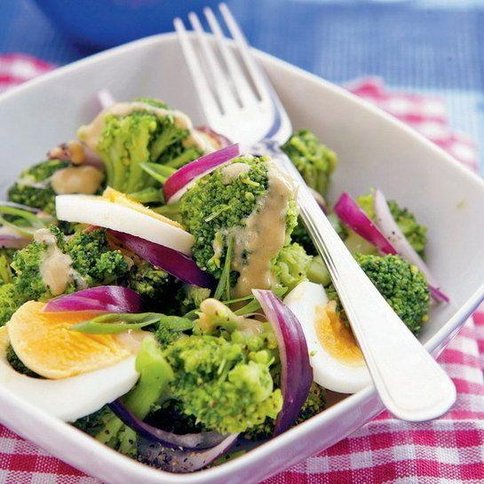Brokolicový šalát s vajcom |