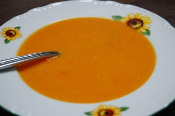 Mrkvovo-zázvorová krémová polievka |