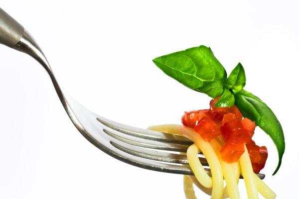 Špagety s paradajkovým pestom  