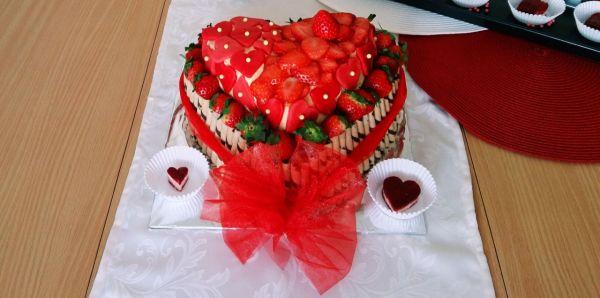 Jahodová torta Valentínka |