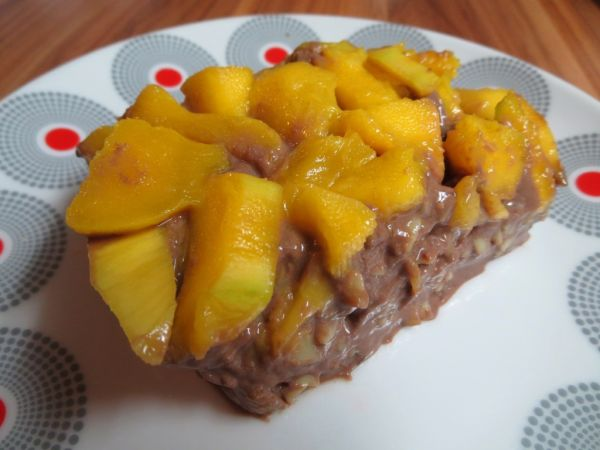 Kakaové tofu cestoviny s mangom |