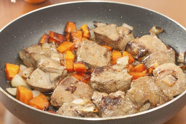 Teľacia pečeň na zelenine |