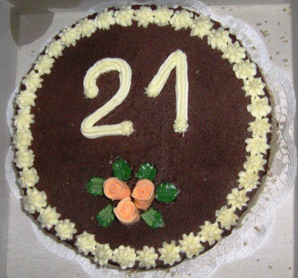 Ideálny darček na narodeniny: Orechovo-banánová torta s ...