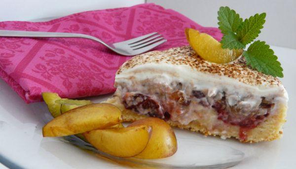 Slivkový koláč s orechmi |