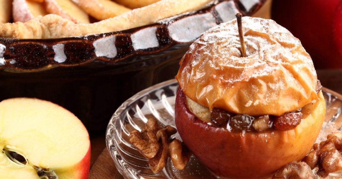Pečené jablká s marcipánom a hrozienkami, fotogaléria 1 / 1.