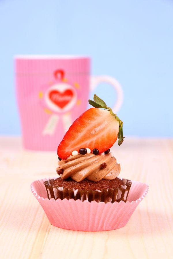 Čokoládové cupcakes s jahodami |