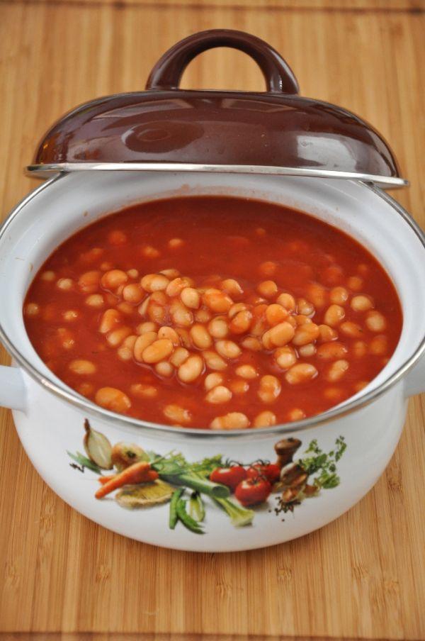 Rajčinová polievka s fazuľou  