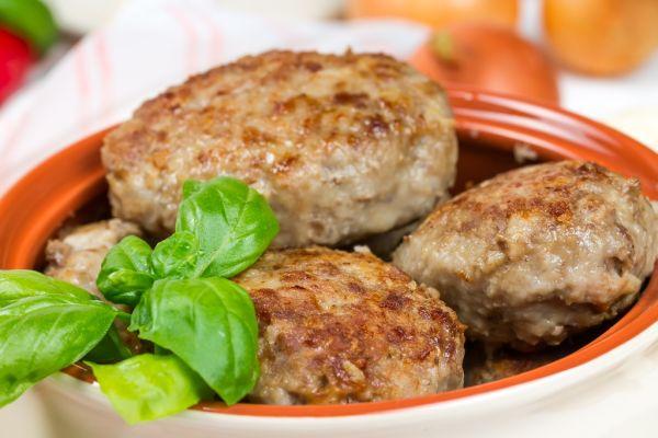 Mäsové placky s tvarôžkami |