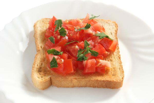 Hrianky s paradajkami a bazalkou |