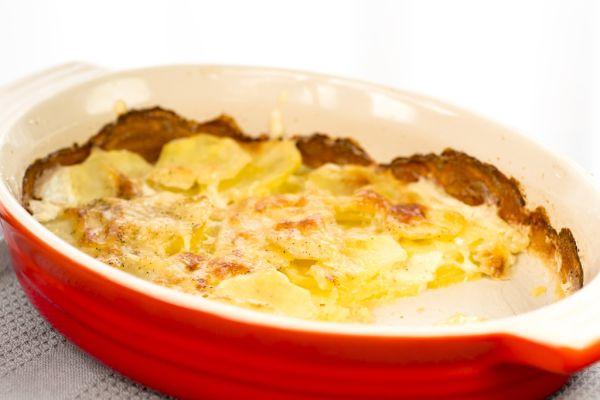 Zemiakový nákyp so smotanou a syrom |