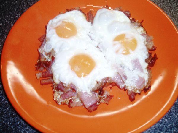 Ham and eggs alebo hemendex |