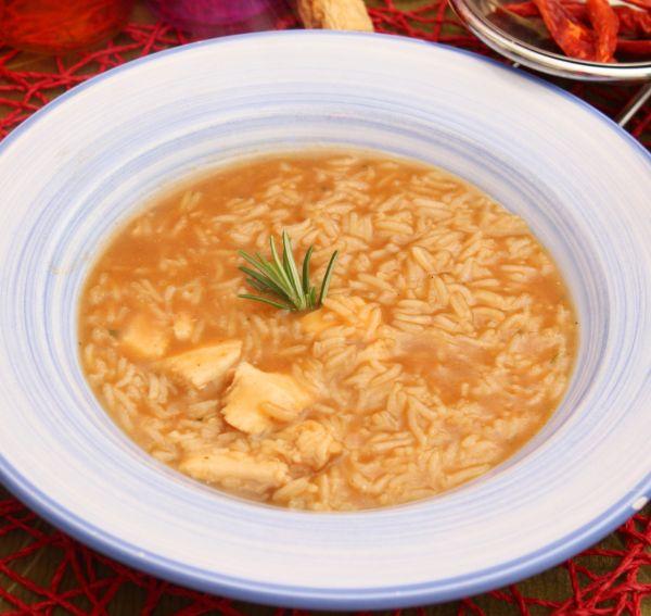 Slepačia polievka s ryžou  Tavuk čorbasi |