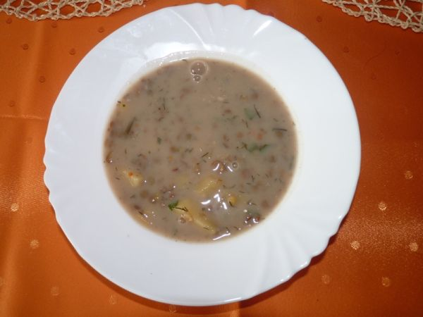 Šošovicová polievka s kôprom |