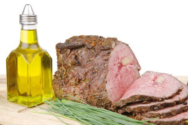 Pečené hovädzie mäso s olivovým olejom |