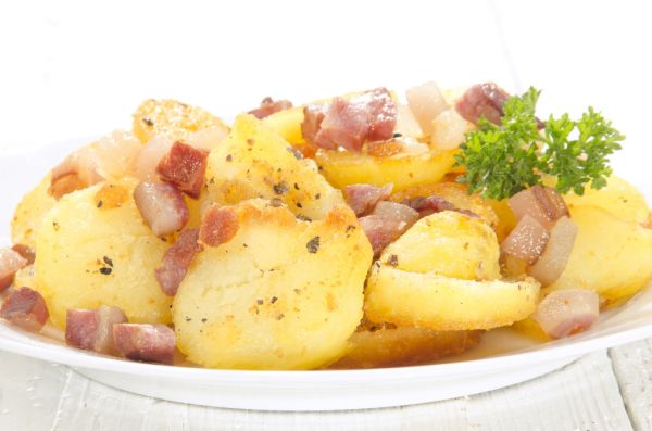 Dusené zemiaky s bôčikom |