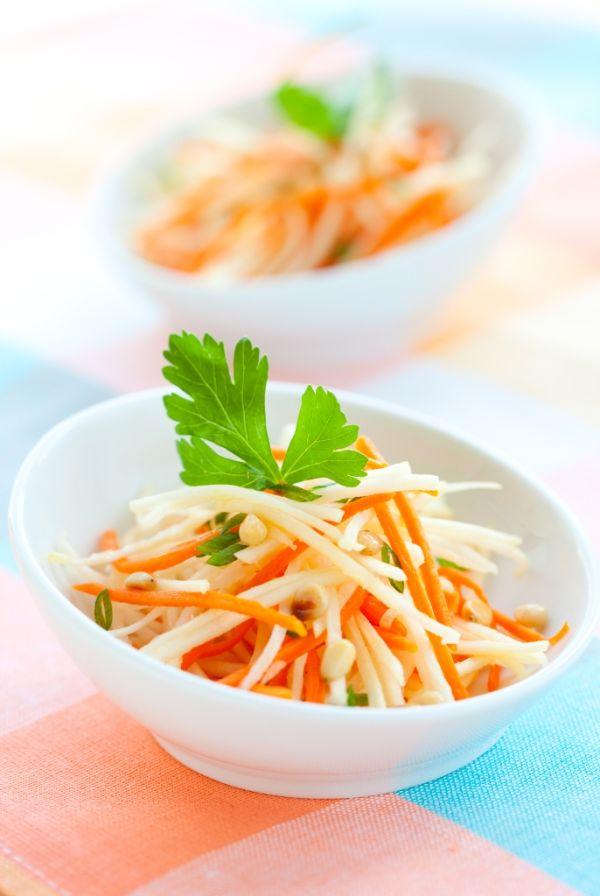 Kalerábovo-mrkvový šalát  