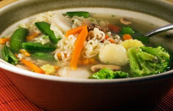 Čínska rezancová polievka |
