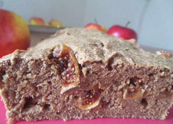 Jablkový chlieb so sušenými figami |