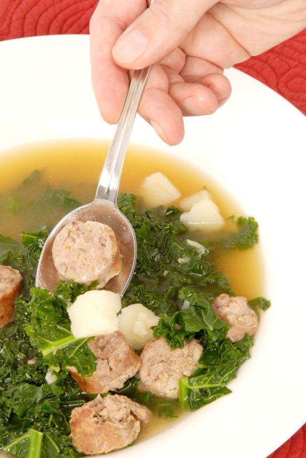 Kelová polievka s párkom |