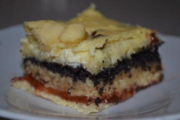 Štedrák  kysnutý koláč so 4 plnkami |
