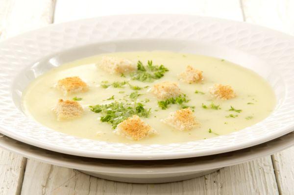 Mixovaná zelerová polievka |