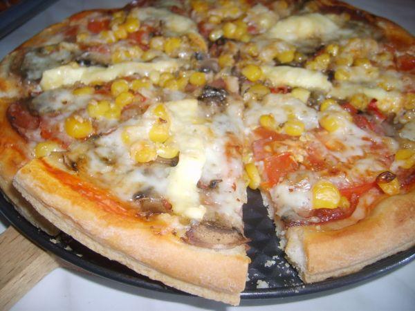 Hrnčeková pizza |