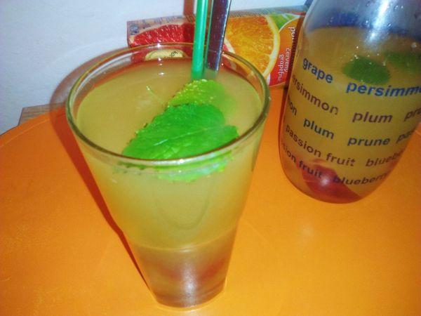 Pomarančovo-nektárinková limonáda |