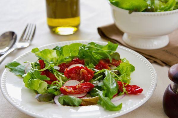 Šalát z paradajok a reďkoviek |
