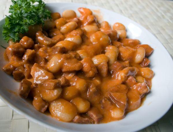 Pikantná fazuľa so slaninou |