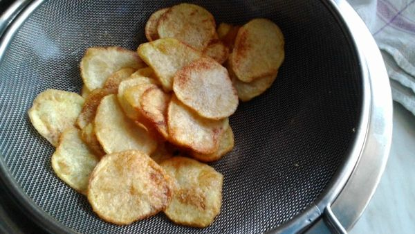 Domáce zemiakové chipsy |