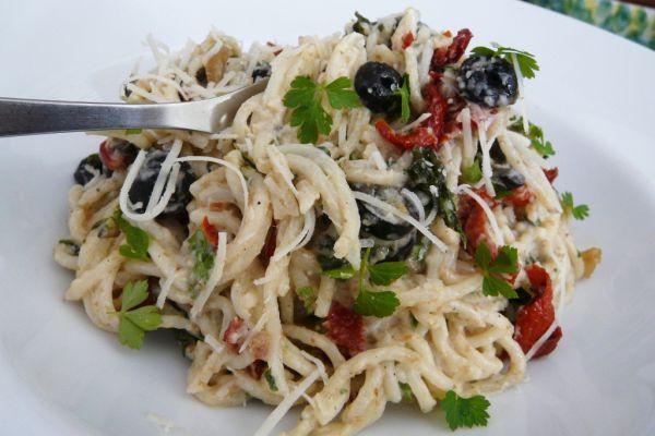 Špagety s cesnakovým krémom |