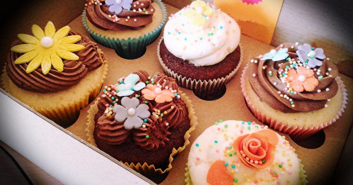 Zdobené jarné cupcakes, fotogaléria 1 / 2.