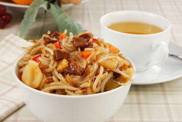 Bravčové chow mein |