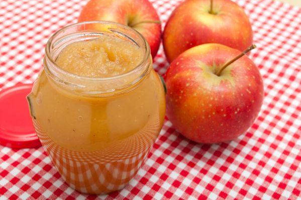 Domáca bazová marmeláda s jablkami |