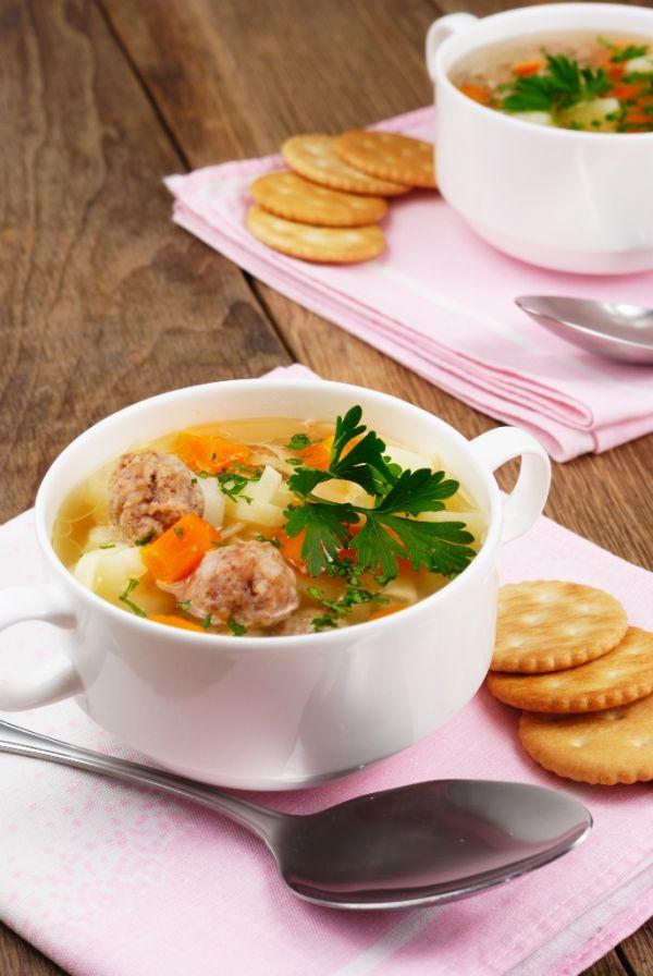 Drobková polievka s mäsovými knedličkami |