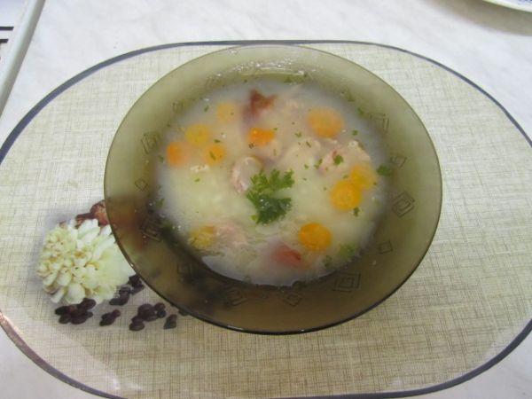 Krúpková polievka s údeným mäsom |